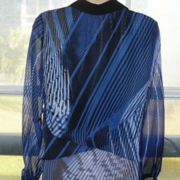 NY Collection Tops - ❤️NY Collection women's blouse Blue-Black Print XS